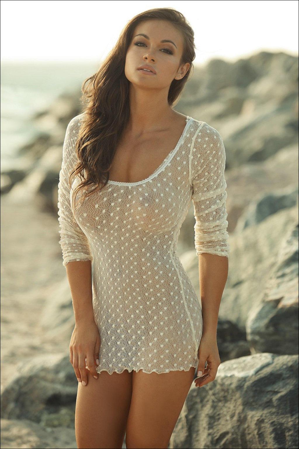 Девушка без платья