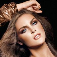 макияж для брюнеток со светлым оттенком волос и светлыми глазами